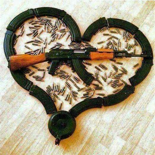 اسلحه و فشنگ داعش به شکل قلب! + عکس
