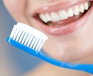 خطرات بیماری دیابت در کمین دهان و دندان