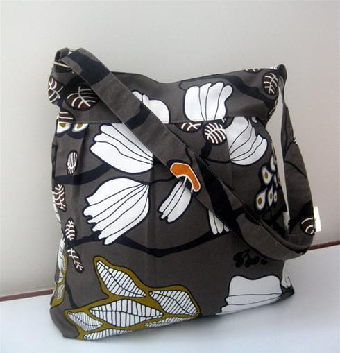 کیف اسپرت و کوله پشتی رنگارنگ دخترانه