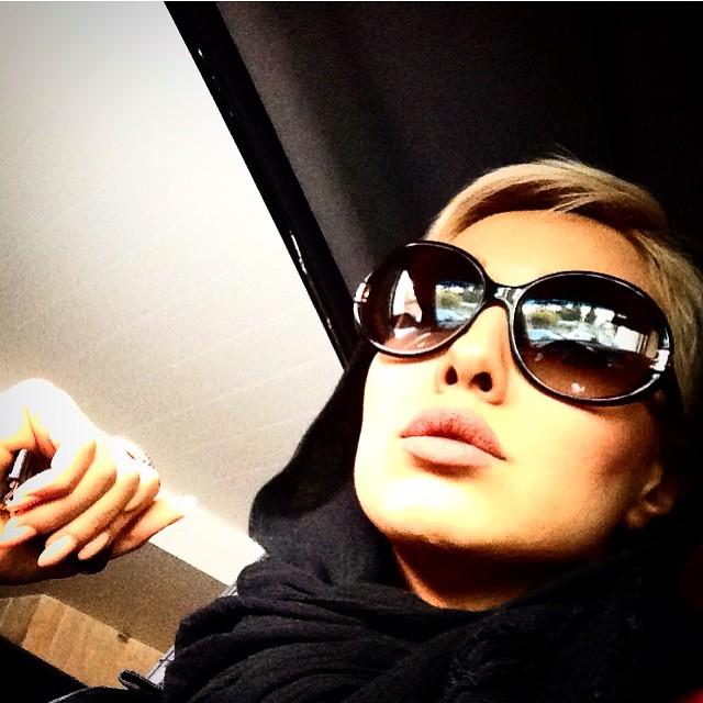 عکس جدید صدف طاهریان با عینک در اینستاگرام