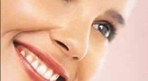 دلیل جوش زدن پوست صورت چیست؟