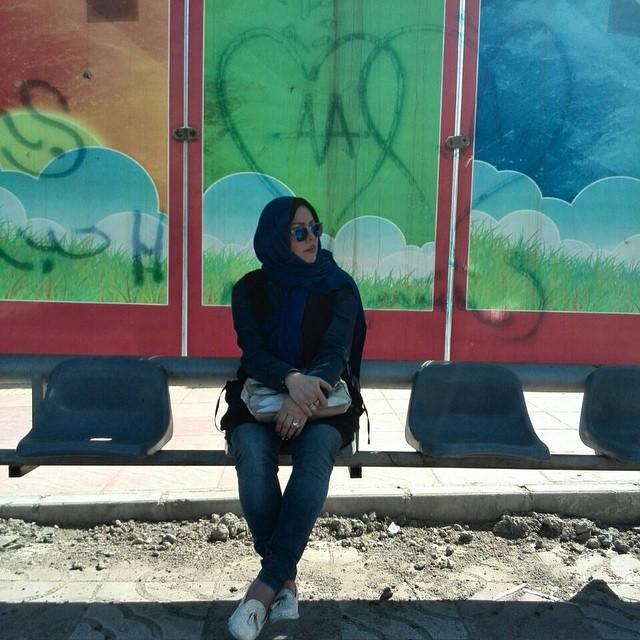 فلور نظری در ایستگاه اتوبوس + عکس
