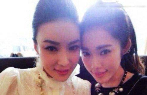 مادر و دختر جذاب چینی