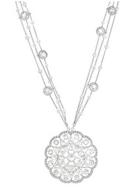 جواهرات گران قیمت نگین دار در جشنواره کن