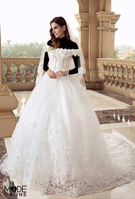 مدل لباس عروس دکلته ساتن و دنباله دار
