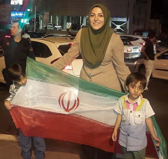 مجری زن مشهور در شادی خیابانی برد ایران + عکس