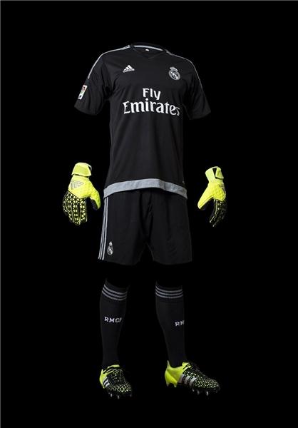 آدیداس رسماً از پیراهن فصل آینده رئال مادرید رونمایی کرد /عکس