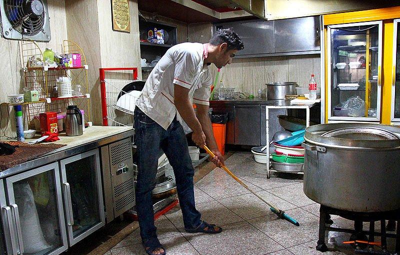 ظرفشویی عاقبت قهرمان المپیک جودو / عکس