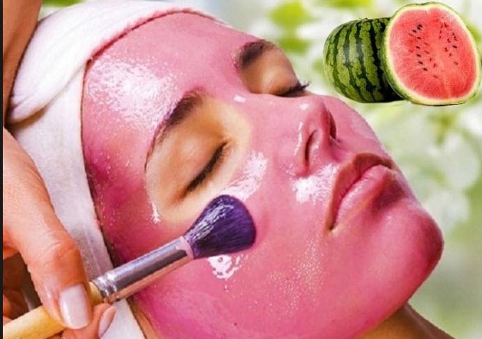 آموزش درست کردن ماسک صورت با هندوانه تابستانی