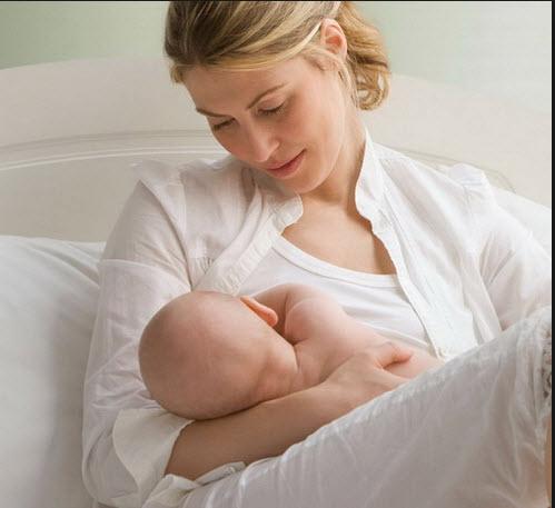 آیا مادران شیرده نباید روزه بگیرند؟