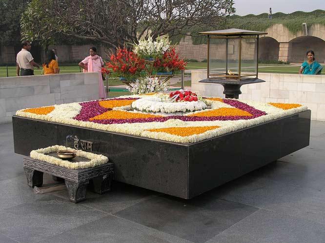 مقبره گاندی + عکس