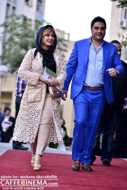 پارچه دانتل لباس عروس نیوشا ضیغمی و همسرش در فرش قرمز جشن حافظ / عکس