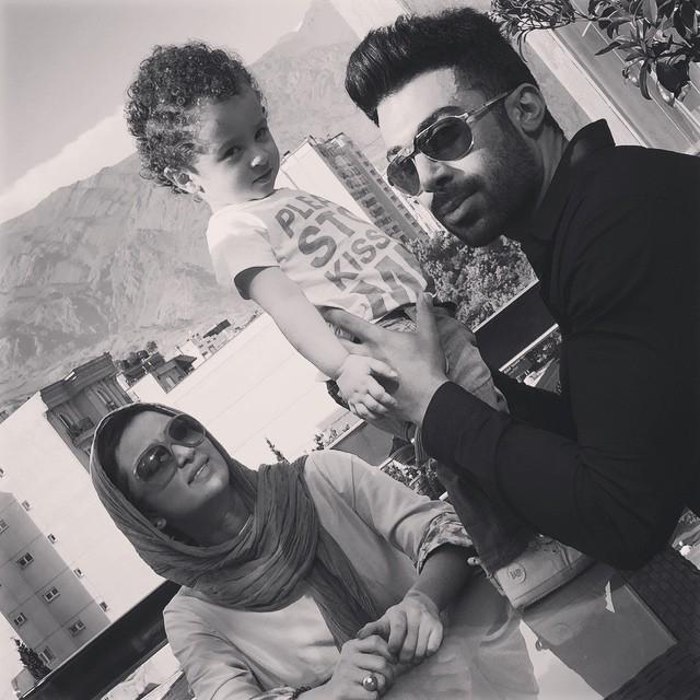 عکس جدید روناک یونسی و همسر و پسرش