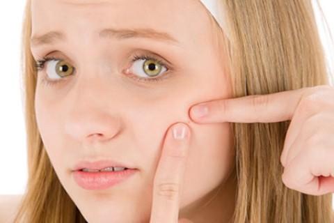 علت و درمان جوش صورت