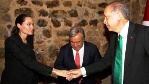 دست دادن آنجلینا جولی و اردوغان سوژه شد / عکس