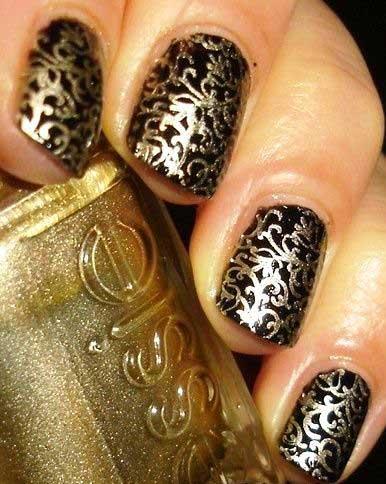 طراحی جذاب ناخن ترکیب رنگ طلایی و مشکی