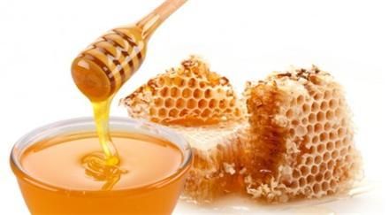 با عسل طبیعی چهره ای شاداب و زیبا داشته باشید..