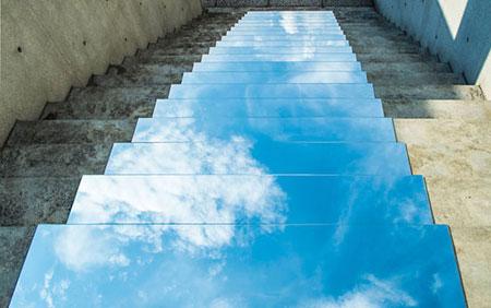 هنرمند ایرانی و ثبت تصاویر جادویی با آینه! / عکس