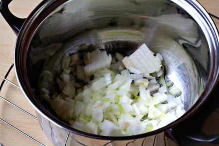 چگونه سوپ سبزیجات رژیمی درست کنیم؟