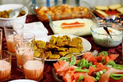 در ماه رمضان از چه غذاهایی استفاده کنیم؟