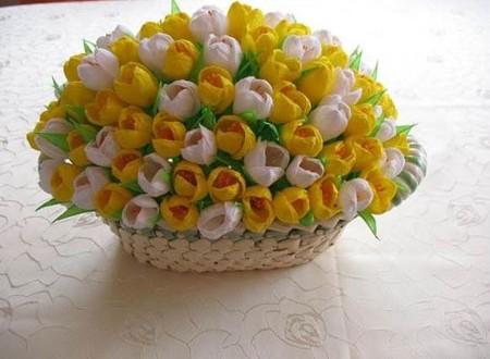 Как сделать тюльпан из бумаги из гофрированной бумаги своими руками фото 693