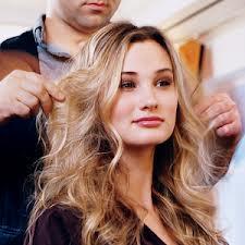 چگونه موهای فر را به سرعت خشک کنیم؟