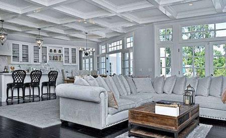 عکس های جالب از دکور سفید خانه سلنا گومز