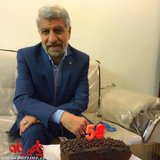 حاج صادق آهنگران ۵۸ ساله شد ! + عکس