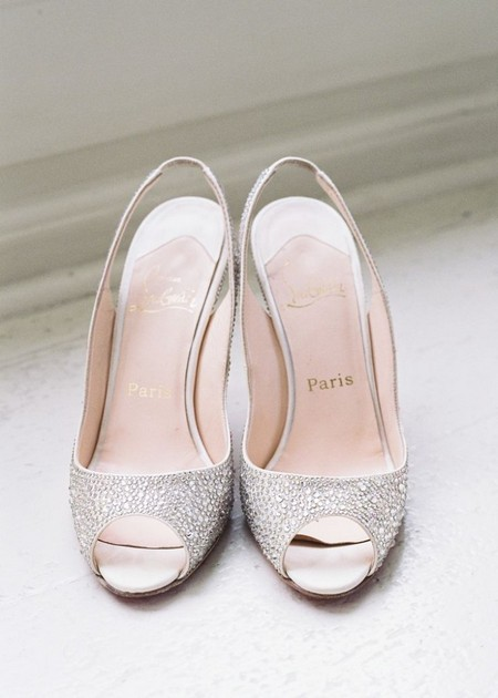 مدل کفش عروس با رنگ سفید و طلایی