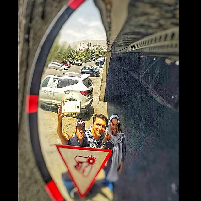 عکس / سلفی سیاوش خیرابی با امین زندگانی و همسرش