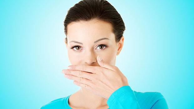بهترین روش از بین بردن بوی سیر دهان