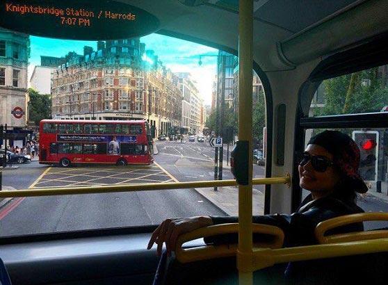 الناز شاکردوست در اتوبوس / عکس