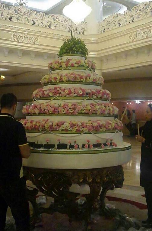 کیک تولد امام رضا (ع) در مشهد / عکس