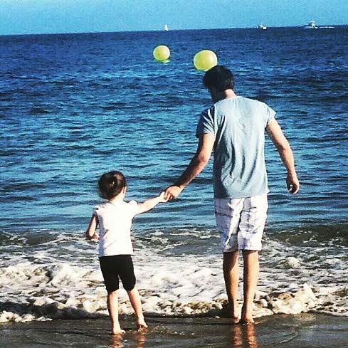 بنیامین بهادری و دخترش در سواحل آمریکا + عکس