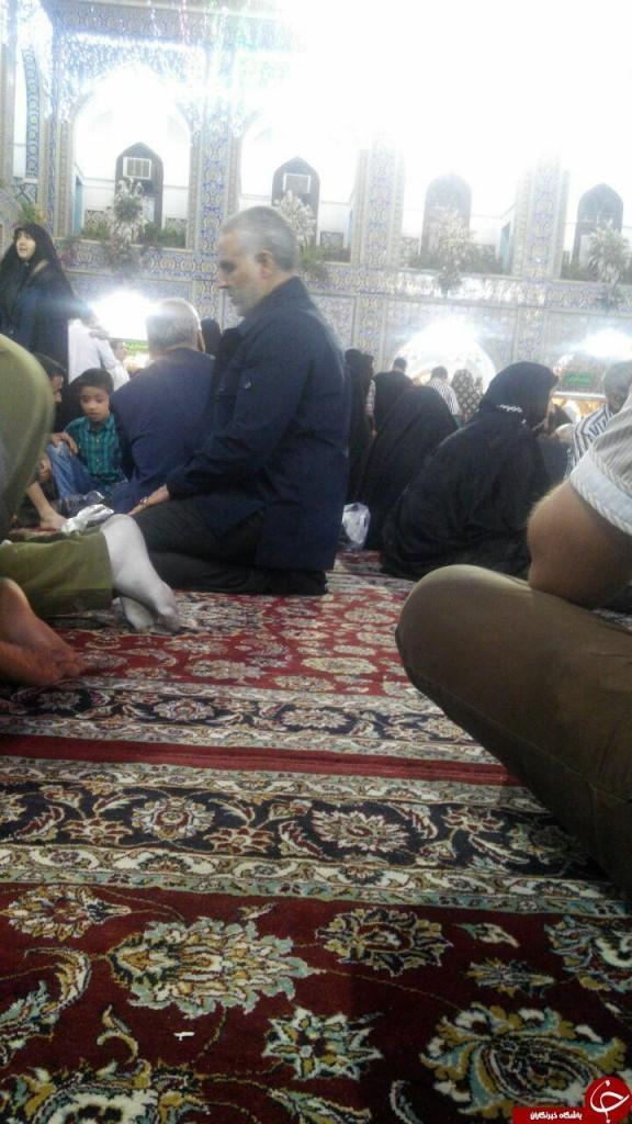 عکس / سردار سلیمانی در حرم امام رضا(ع)
