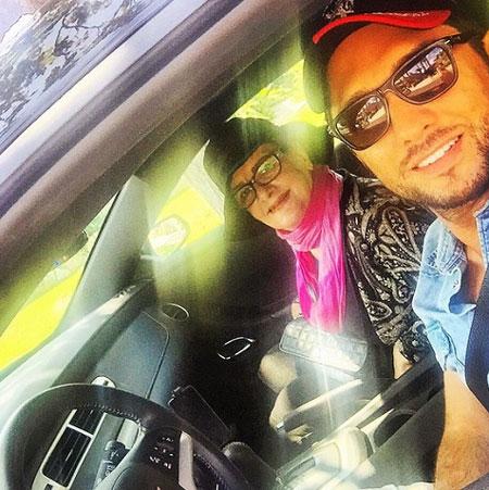 عکس بهرام رادان و مادرش