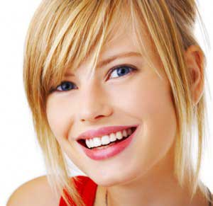 چگونه در آرایش دندان ها را سفید جلوه دهیم؟