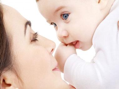 ویتامین ها و املاح موجود در شیر مادر