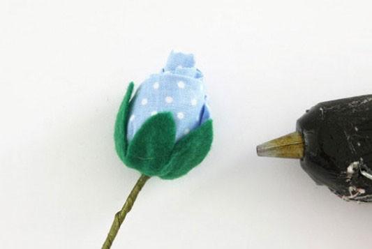 آموزش تصویری ساخت دسته گل رز پارچه ای