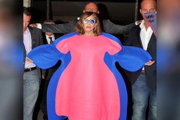 اشتباهاتی که زنان در انتخاب لباس مرتکب می شوند