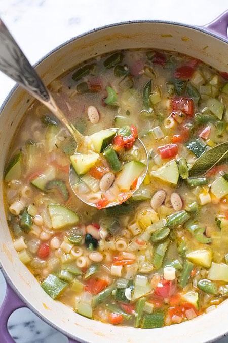 چگونه سوپ ماکارونی تابستانی درست کنیم؟