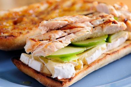 طرز تهیه ساندویچ مرغ سریع و راحت