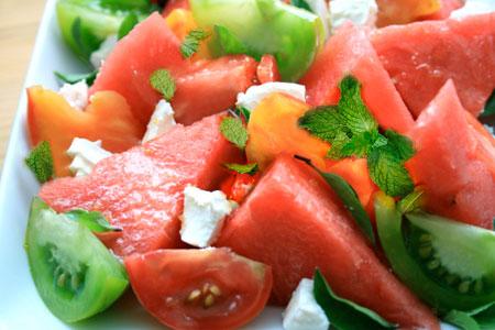 آموزش درست کردن سالاد گوجه و هندوانه