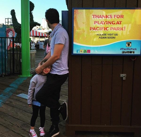 عکس جدید بنیامین بهادری و دخترش