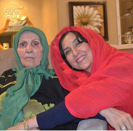 عکس جدید مرجانه گلچین در کنار مادرش