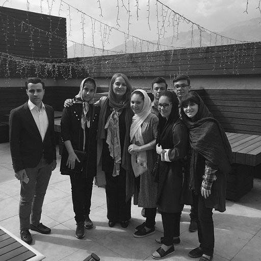 مهناز افشار در کنار هوادارانش / عکس