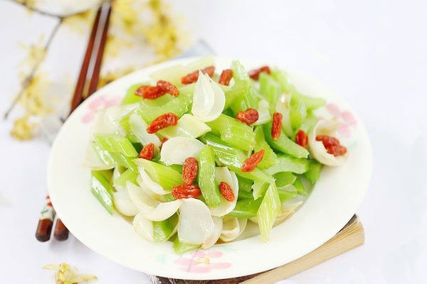 دستور تهیه یک نوع غذای فوری / خوراک کرفس