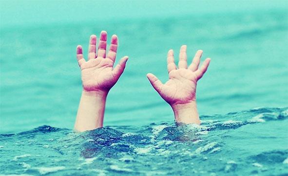 دختر غرق شد چون پدر اجازه نداد نامحرم نجاتش دهد