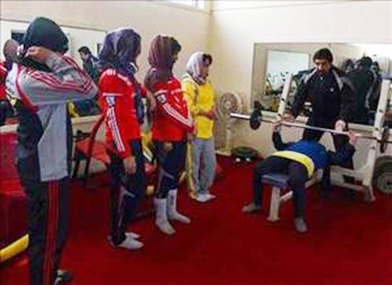 باشگاه بدنسازی مختلط در تهران! + عکس