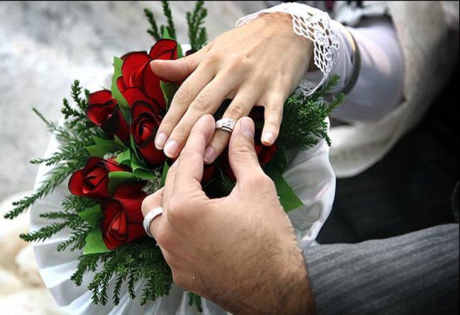 آیا مرد میتواند در خواستگاری زن را بدون روسری ببیند؟